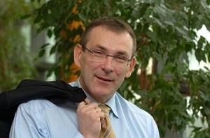 Miljøkommissær Andris Piebalgs ryster i bukserne på klimaets vegne, når oliepriserne falder. (foto: EU-Kommissionen)