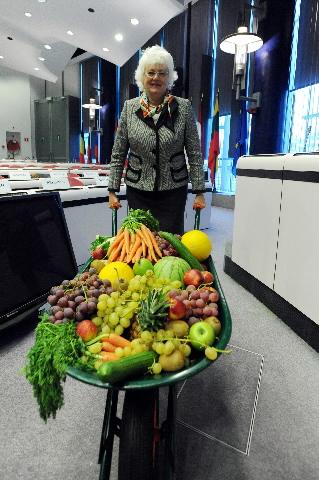Der er grænser for Mariann Fischer Boels gaver til landmændene under krisen.
